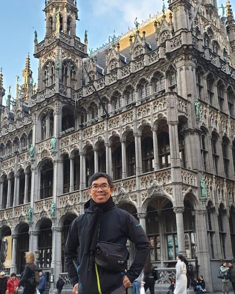 penulis artikel terkenal di indonesia